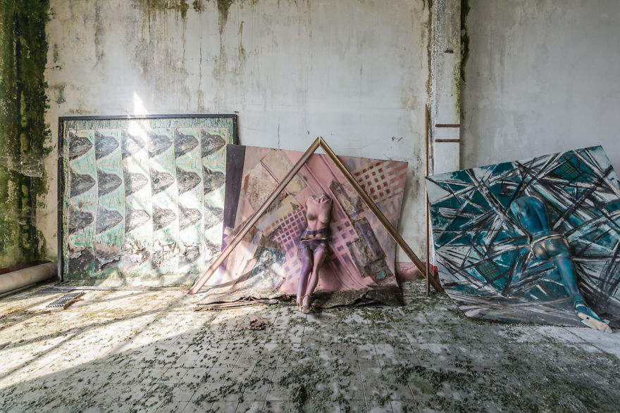 Abandoned Buildings Photography By Romain Veillon (10)