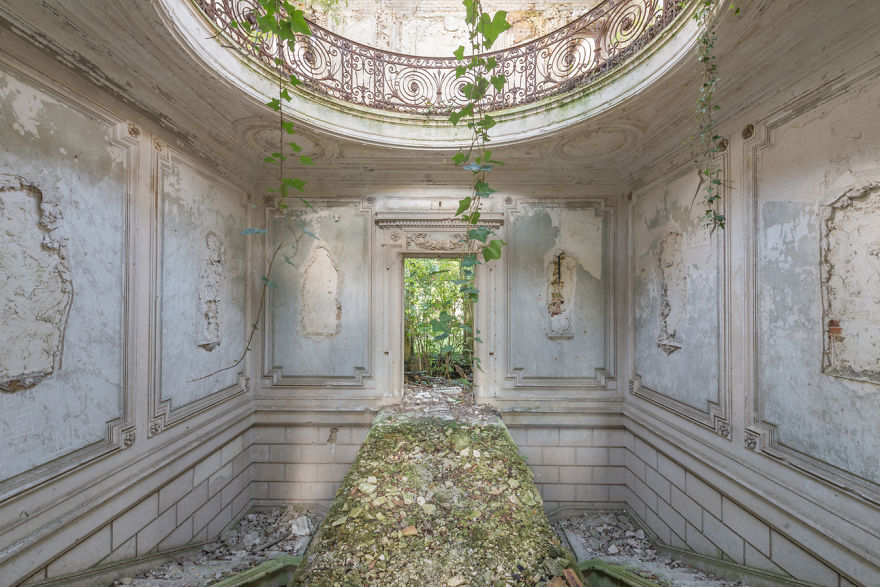 Abandoned Buildings Photography By Romain Veillon (11)