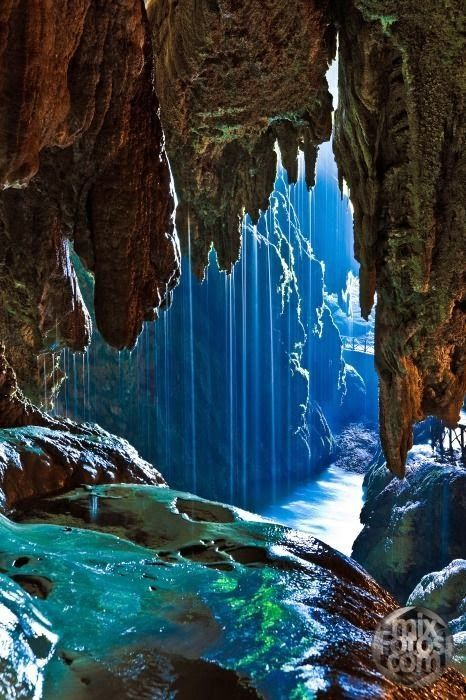 Most Amazing & Adventurous Caves Of The Universe (30)