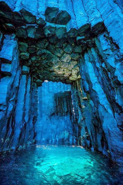 Most Amazing & Adventurous Caves Of The Universe (31)