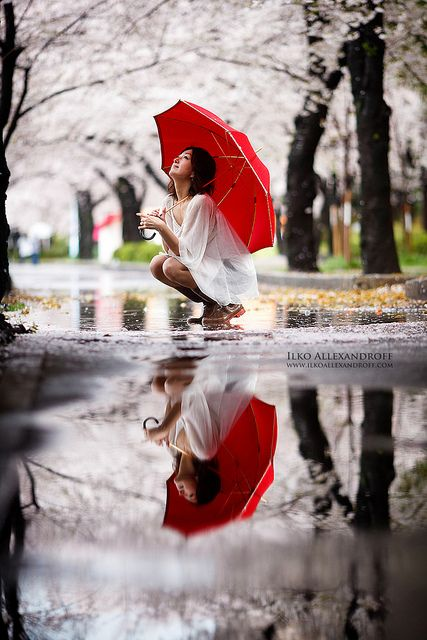 Pretty Girls Images In Rain (3)