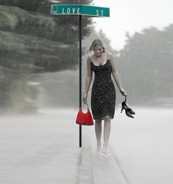 Pretty Girls Images In Rain (4)