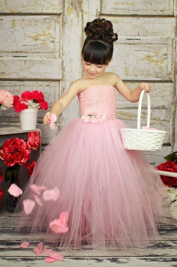 30+ Cute And Beautiful Flower Dress Baby Photos (10)