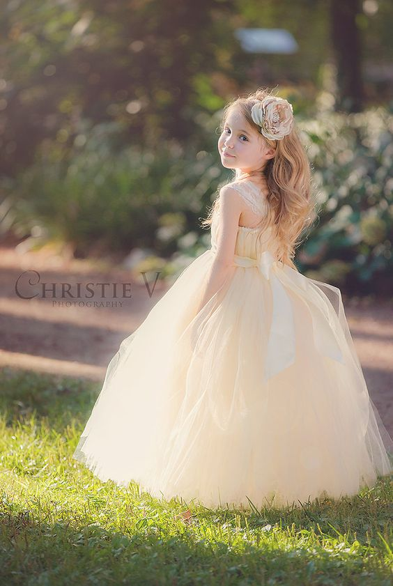 30+ Cute And Beautiful Flower Dress Baby Photos (17)