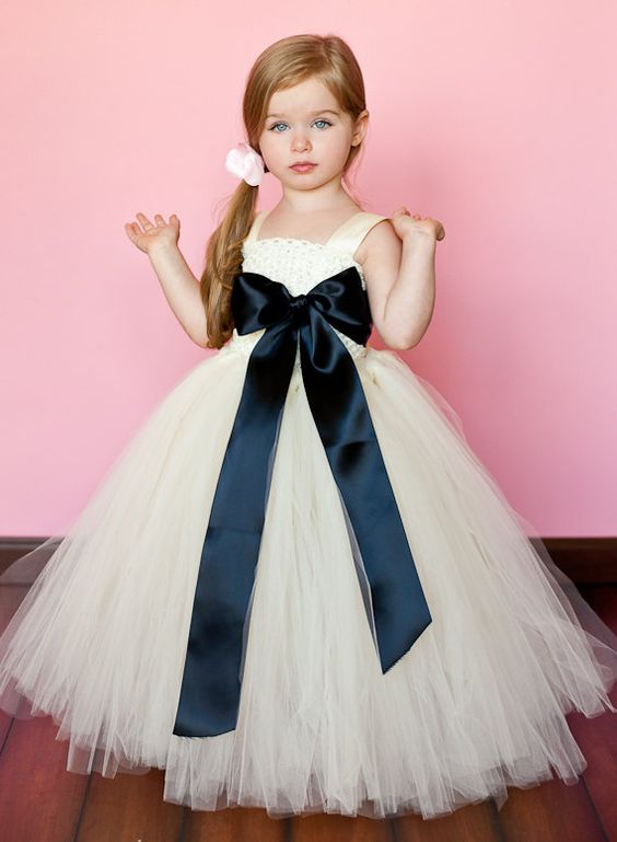 30+ Cute And Beautiful Flower Dress Baby Photos (19)