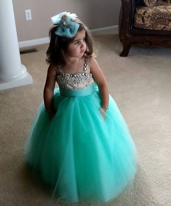 30+ Cute And Beautiful Flower Dress Baby Photos (30)