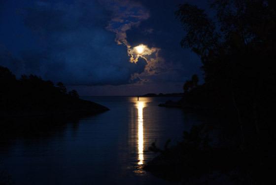 Beautiful Romantic Moonlight Wallpapers (35)