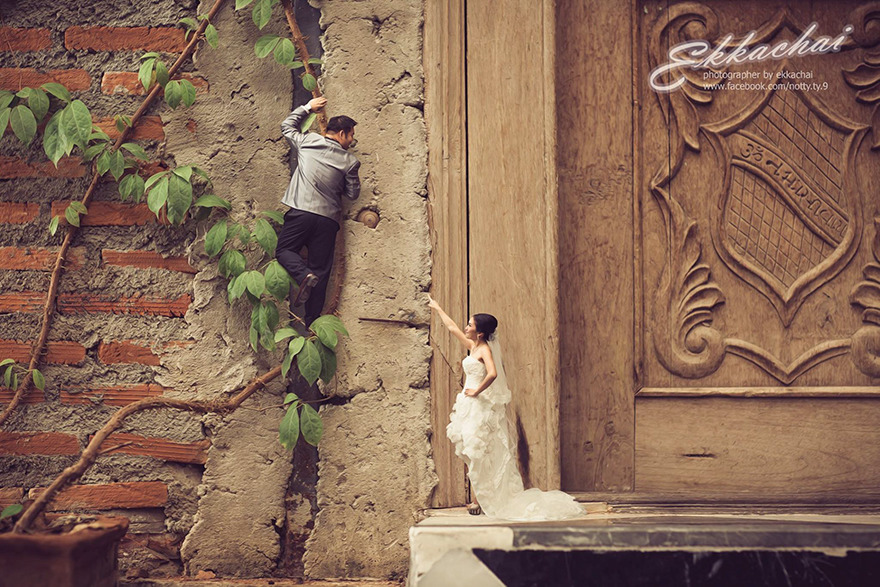 Clever Wedding Photographer Turns Couples Into Miniature People (18)