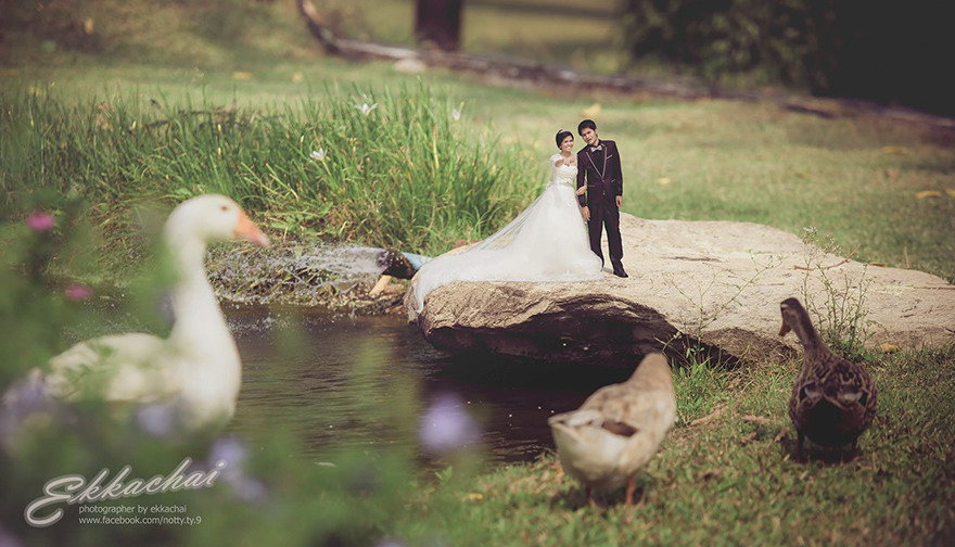 Clever Wedding Photographer Turns Couples Into Miniature People (5)