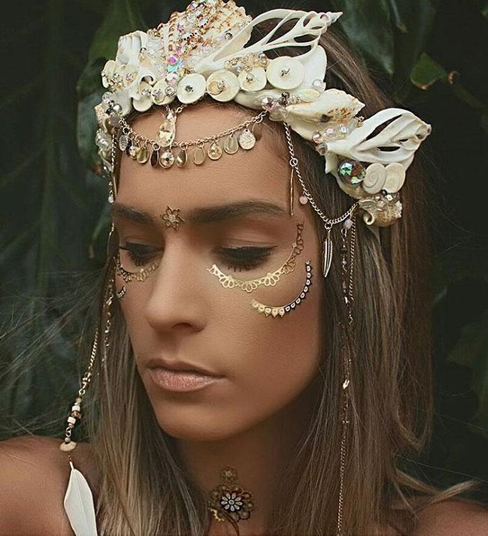Mermaid Crowns With Real Seashells Photos (3)