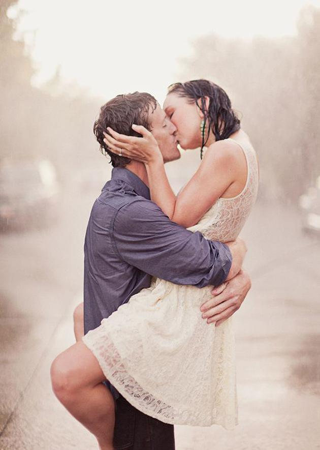 Romantic Couples Photography In Rain (2)