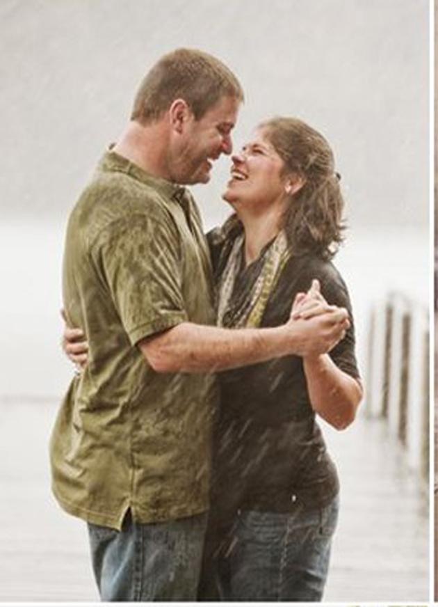 Romantic Couples Photography In Rain (25)