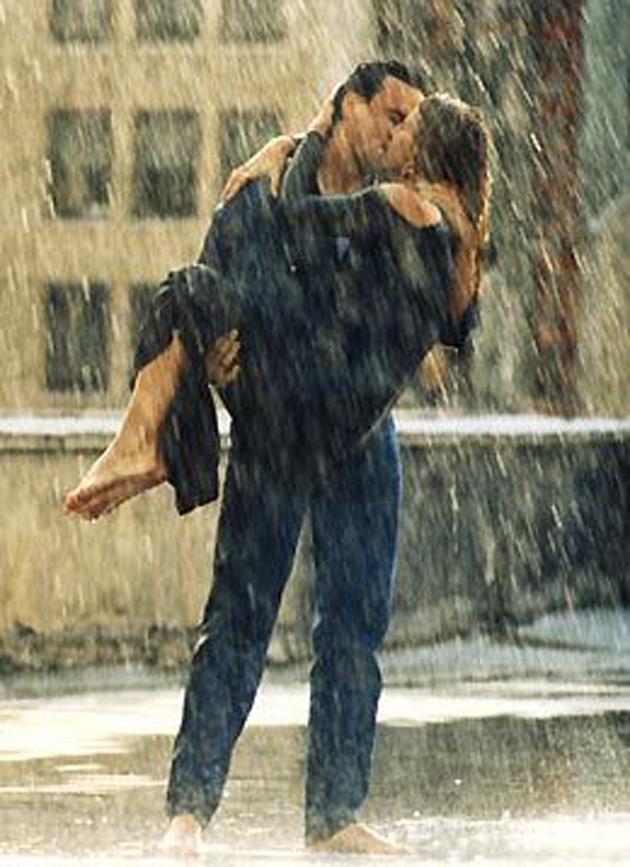 Romantic Couples Photography In Rain (36)