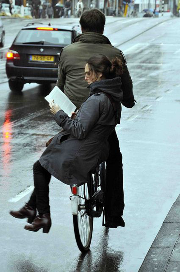 Romantic Couples Photography In Rain (41)
