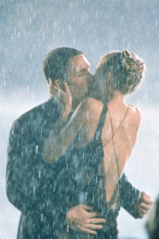 Romantic Couples Photography In Rain (54)