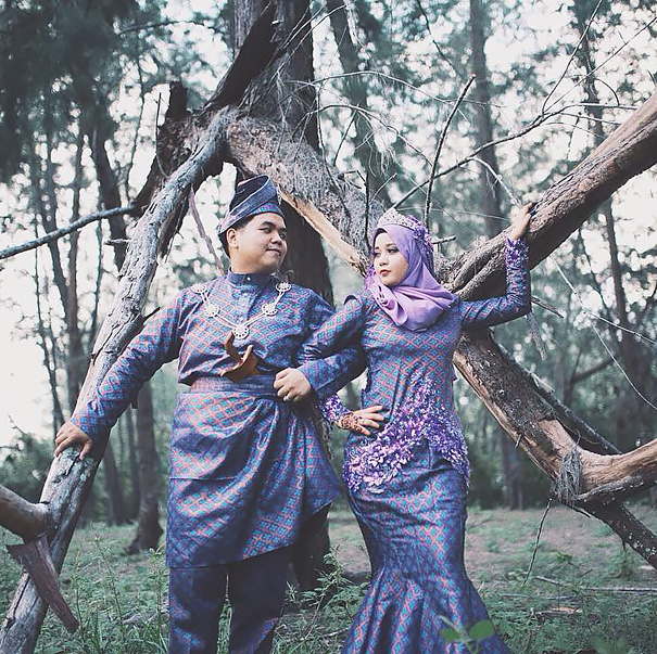 Traditional Wedding Outfits Look Around The World Photography (10)