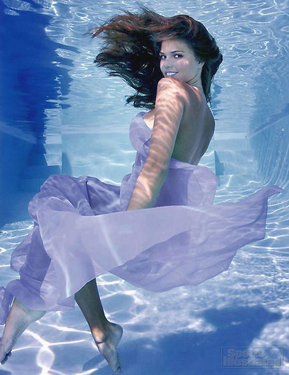 beautiful-underwater-fashion-photography-11