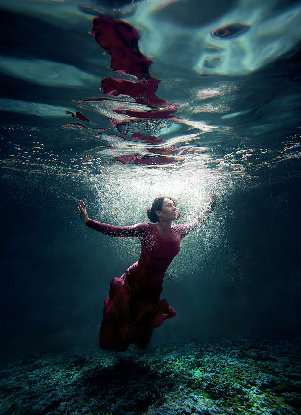 stylish-and-romantic-underwater-photography-by-glory-grebenkin-5