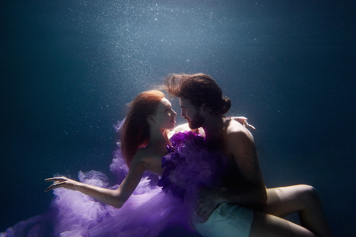 stylish-and-romantic-underwater-photography-by-glory-grebenkin-9
