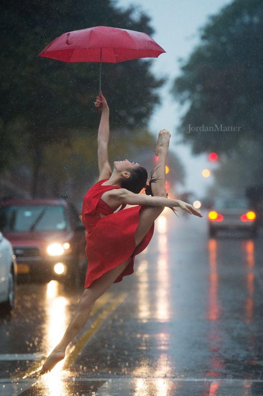 Дети Легко Совершать Необычные Танцевальные Движения (13)