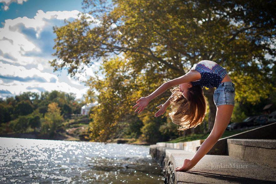 Дети Легко Совершать Необычные Танцевальные Движения (14)