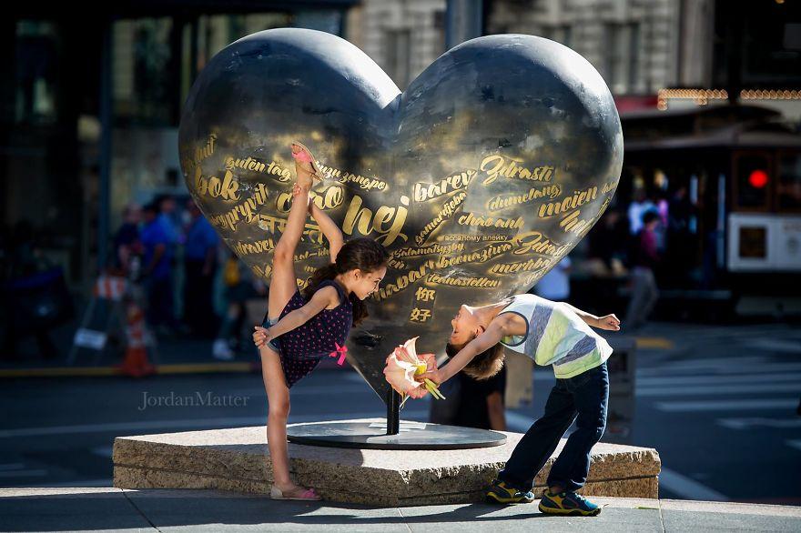 Дети Легко Совершать Необычные Танцевальные Движения (20)