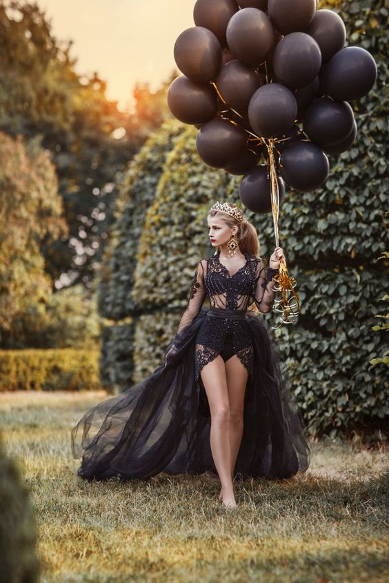 Stylish And Romantic Girls Images (10)