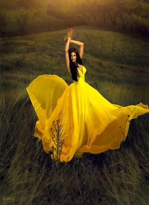 Stylish And Romantic Girls Images (14)
