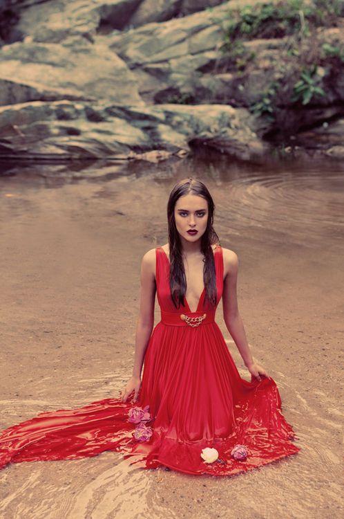 Stylish And Romantic Girls Images (15)