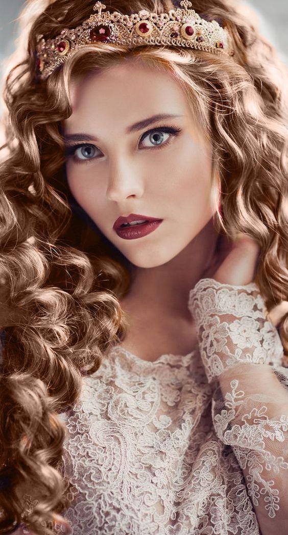 Stylish And Romantic Girls Images (3)