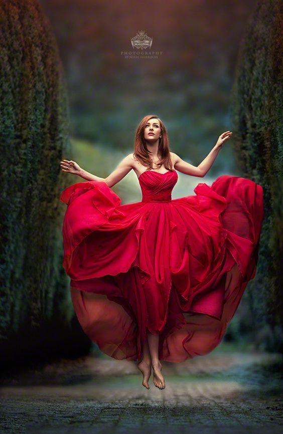 Stylish And Romantic Girls Images (4)