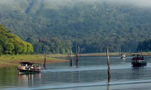 thekkady-boating